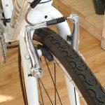 クロスバイクの前輪の脱着のやり方(Vブレーキ)
